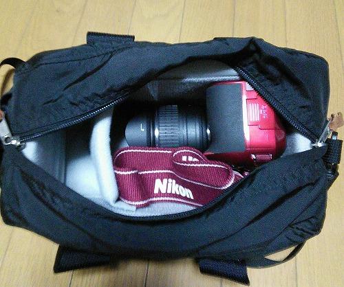 手作りカメラバッグにカメラを入れてみる