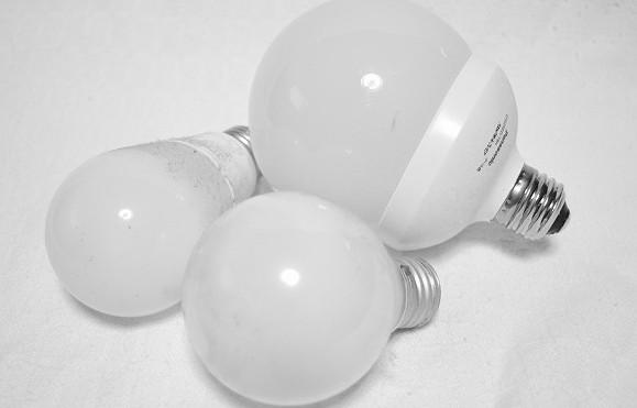 交換された電球たち